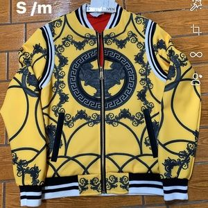 Yellow light wieght zip up jacket